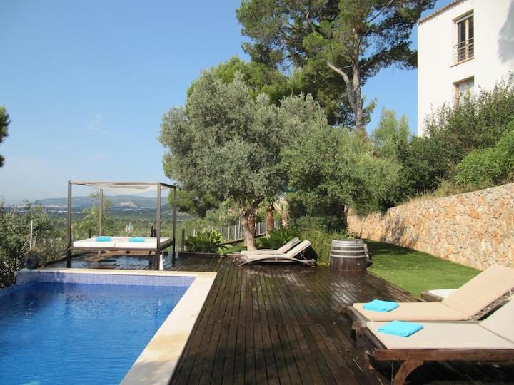 Villa with pool & views by Palma Valldemosa Soller