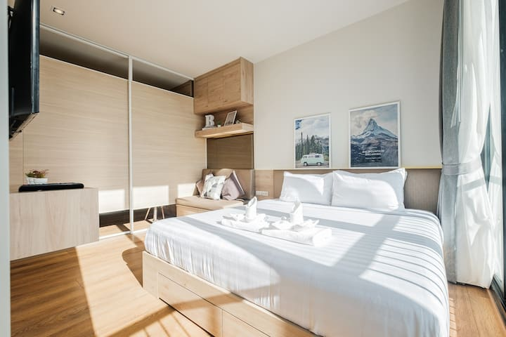 Very well designed layout, with slide door to separate between sleeping and living area.