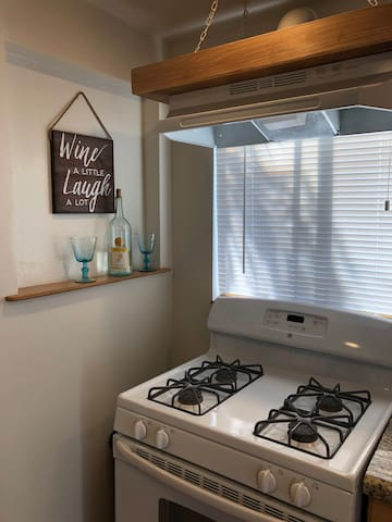 Full kitchen for your enjoyment!