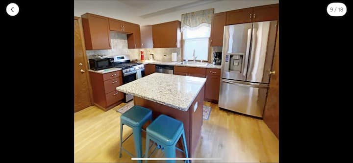 Uptown Prime Studio w/Huge New Kitchen and Yard!