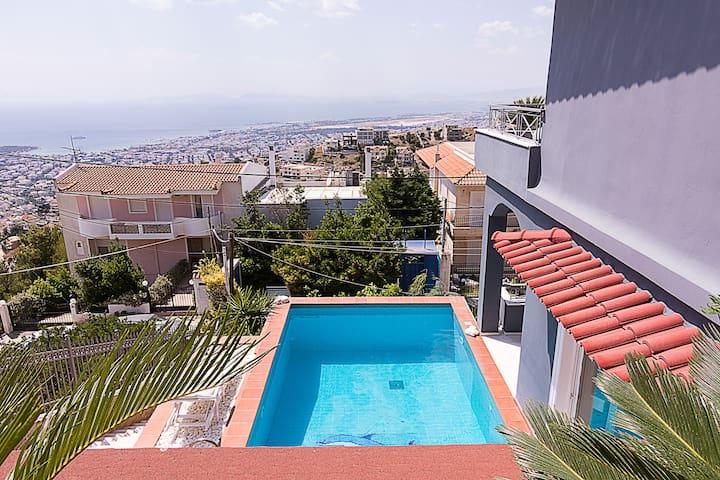 Panoramic Seaview Villa w Pool & 3 bdrm in Voula