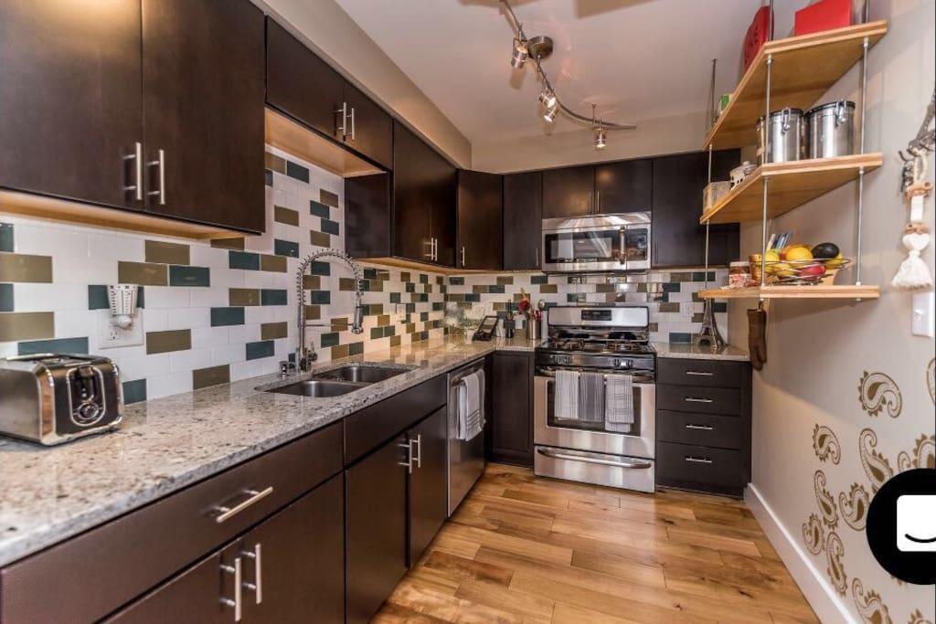 Open Kitchen w/ high end SS appliances