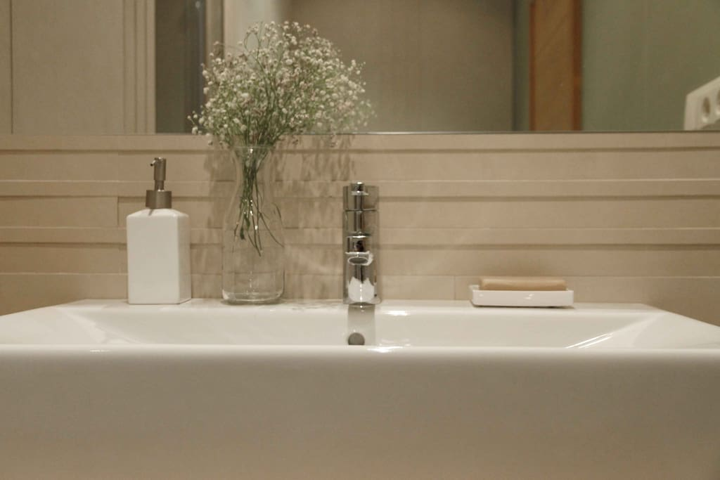 Baño de la habitación U·N.