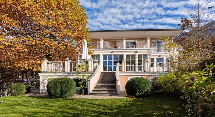 Villa mit Traumausblick in der Stadt Salzburg - Salzburgo - Villa
