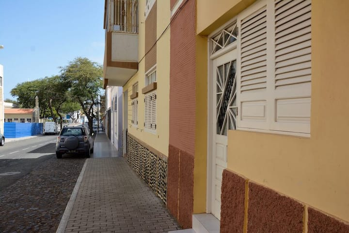 Studio Apartment (amazing Mindelo location)