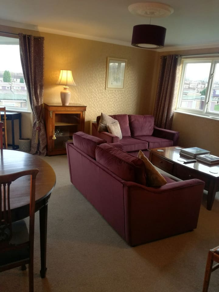 Spacious, stylish flat near the airport and city.