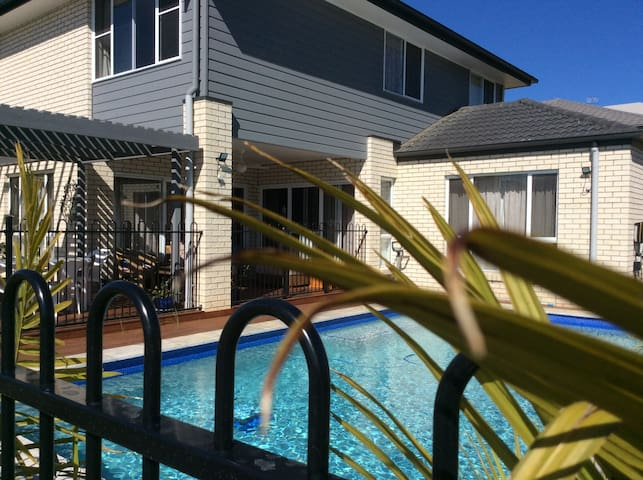 Large room for family in Sunshine Coast