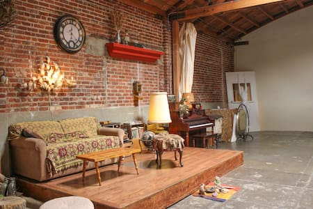 Arts District Loft for Film Shoots & Overnights! - Los Ángeles