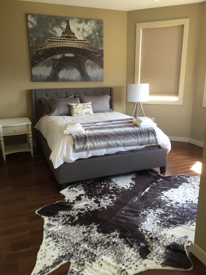 Home with Nanny Suite Close to DT Kelowna