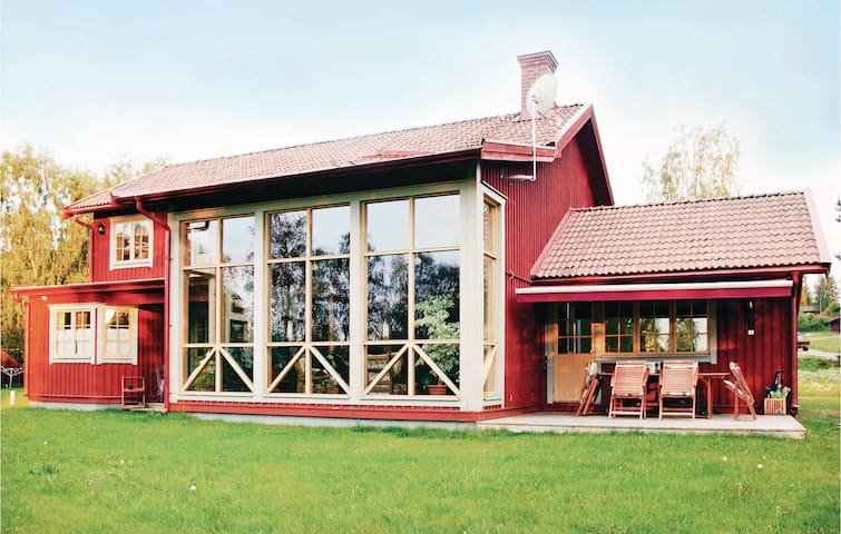 Holiday cottage with 3 bedrooms on 200 m² in Järvsö
