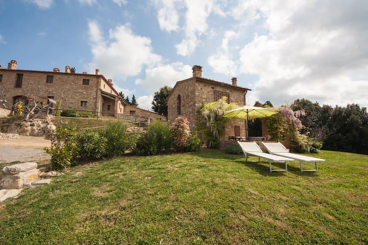 Intero Fienile indipendente vicino San Gimignano - San Gimignano - House