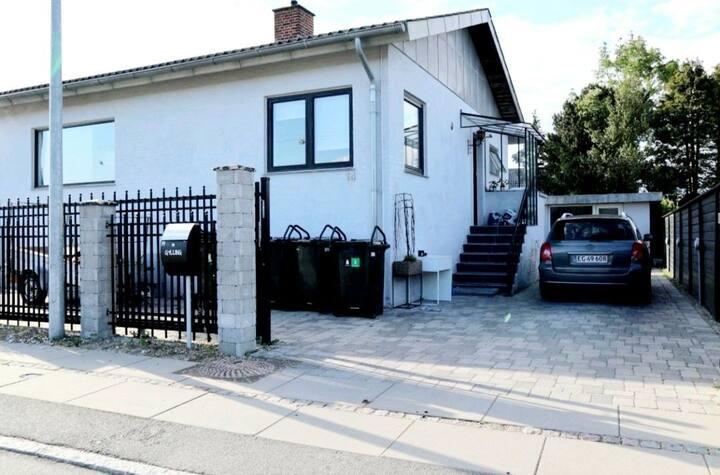 Copenhagen Basement near Hvidovre Hospital/Parking