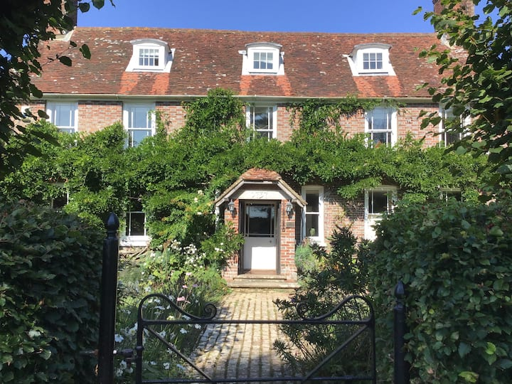 The Limes - an 18th century smugglers'  retreat
