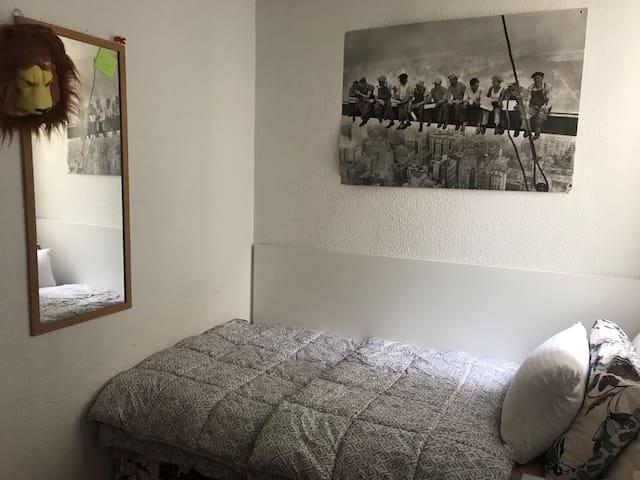Habitación en Goya, Madrid!