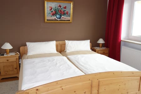 "Doppelzimmer ""Bed & Breakfast"" - Rimsting"