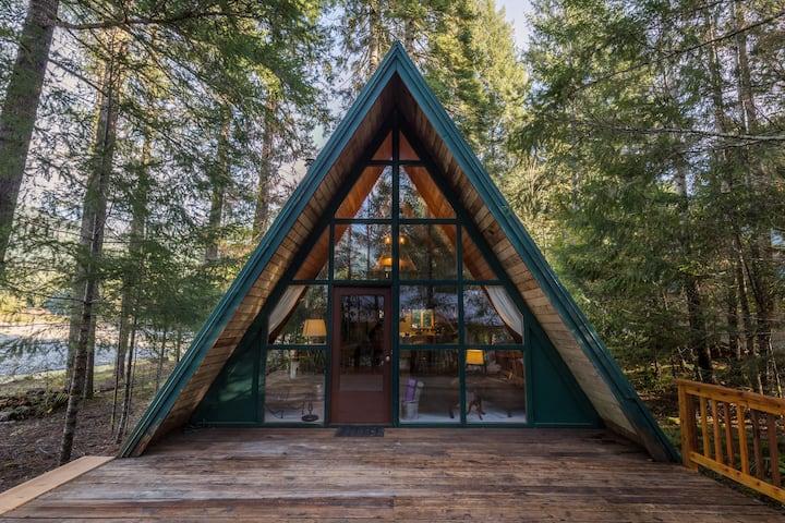 Cozy River Cabin at Mt. Rainier