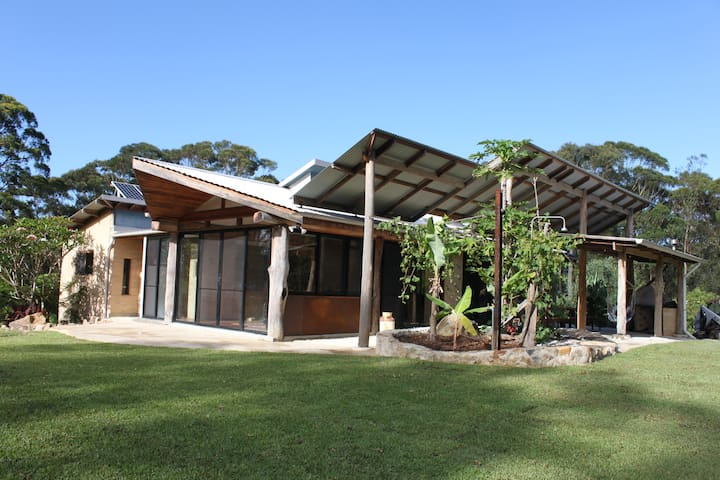 Architecturally Designed Eco Home, Bluey's Beach