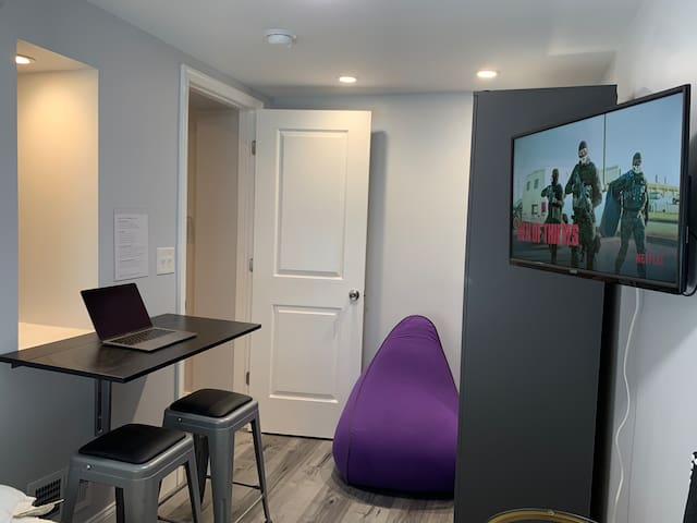Bedroom Work Area, Lounger and Smart TV with Free Netflix Access