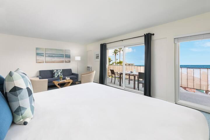 Oceanview Studio Suite | Private Balcony | Kitchen