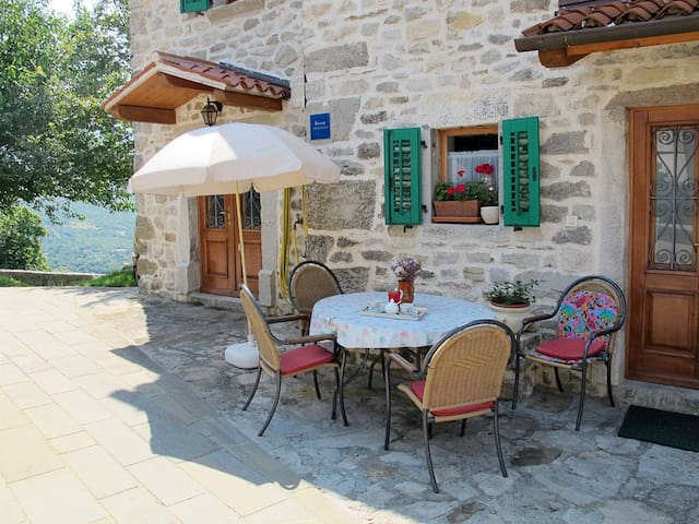 Romantic medieval home - Boljun - Casa