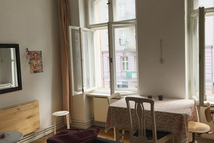 Beautiful shared flat in the HEART OF BERLIN