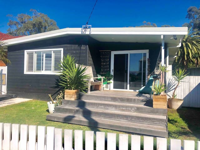 Coastal shack in the heart of Bulli