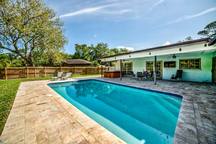Private Oasis in the Middle of Tampa Bay!