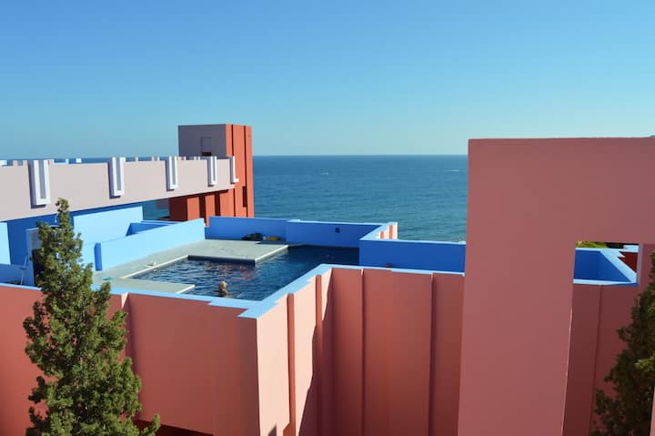 Muralla Roja/ Spectacular views of the sea