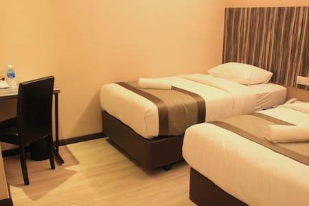EXECUTIVE DELUXE B - Room for 2 - Kota Tinggi