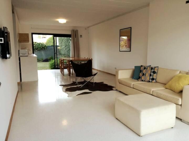 Casa moderna confortable y luminosa