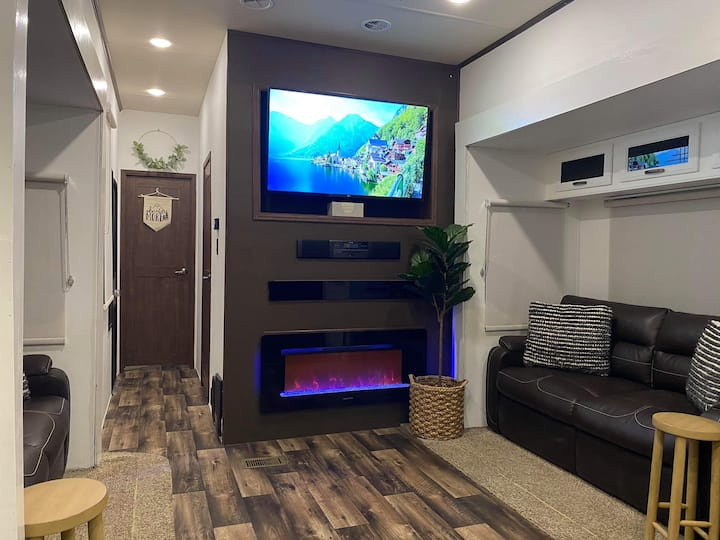 Cozy Home On Wheels