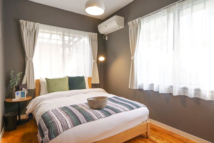 Room2*Double Bed×1