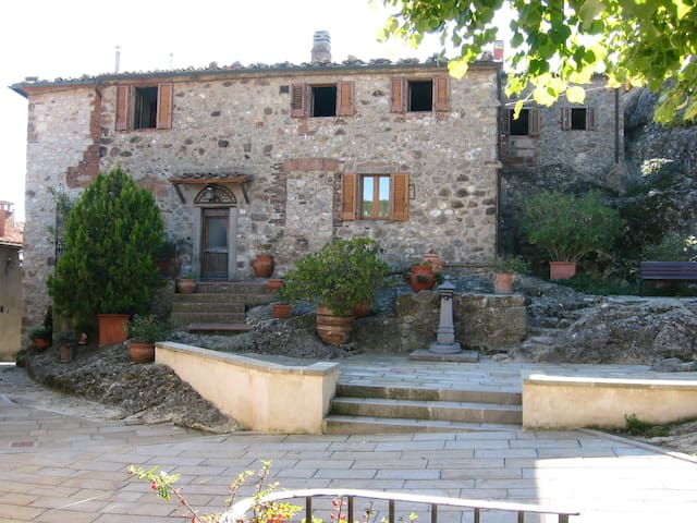 Unique Medieval Family Townhouse - Roccatederighi