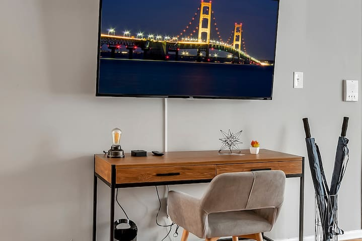 Workstation with Fast WiFi