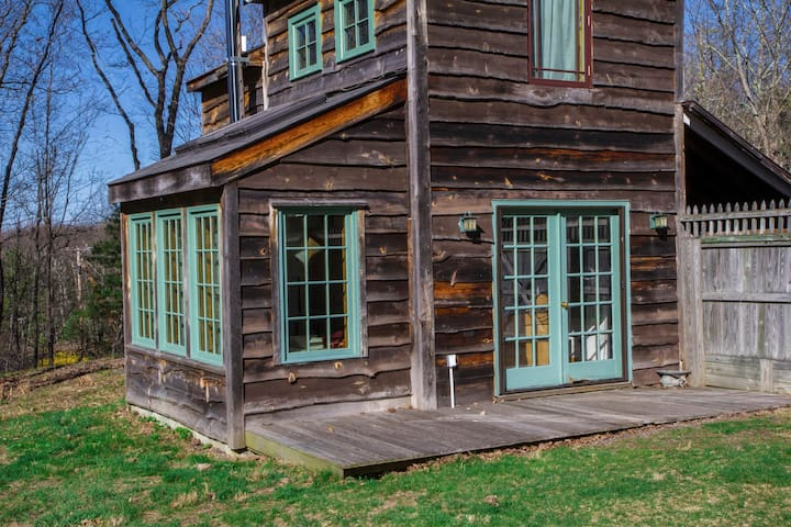 Cozy light-filled Cabin on 10 acres.