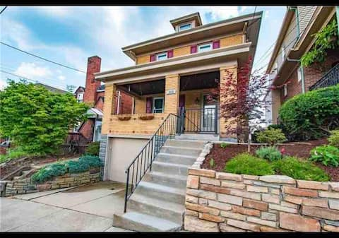 Spacious 3 Bedroom Home Minutes From Downtown