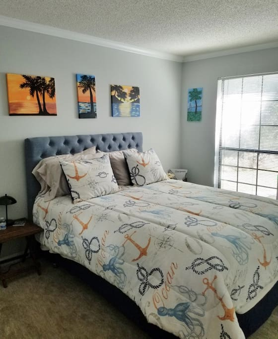 Private bedroom with Queen size bed and locks on door