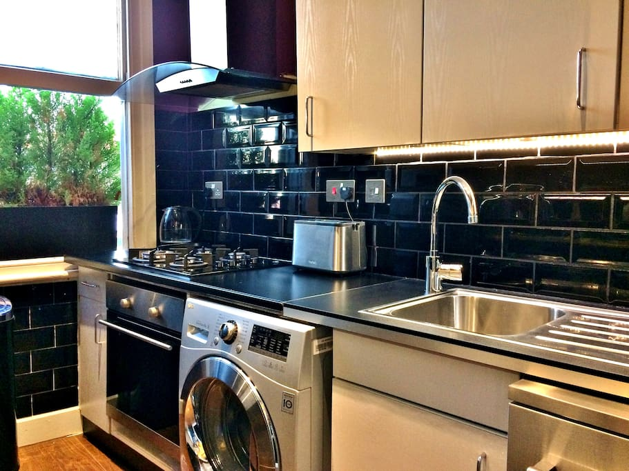 Super new aplliances in a very modern kitchen