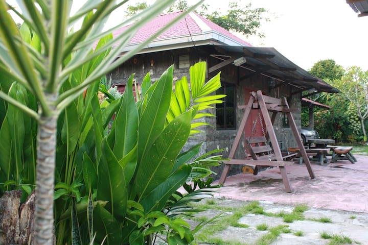 Kampungstay Kulit Kayu @ Pachitan - Guest House -