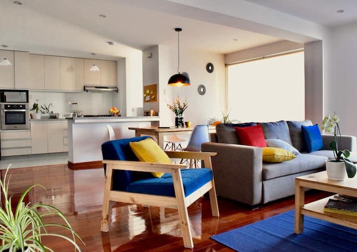 Location, Location, Location - 1600 ft2 Apartment