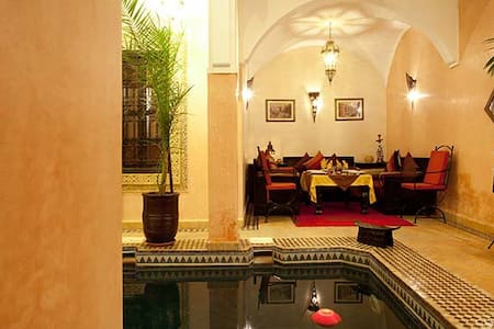 Riad La rose d'orientSuite Baccarat - Marrakesh - Bed & Breakfast