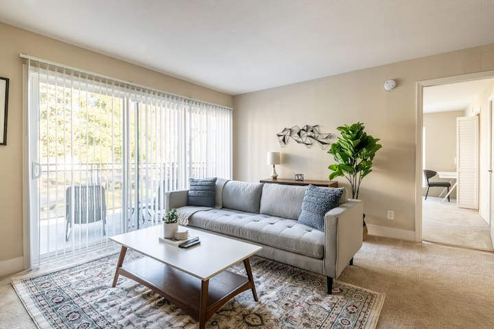Pet-Friendly 1BR in Fremont with Pool