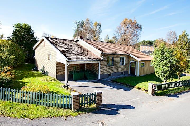 Sjarmerende bolig nært sommeraktiviter - Luleå - Villa