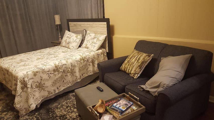 Midtown Room for you!