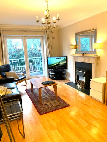 Cozy Double Bedroom - City Centre & Grand Canal