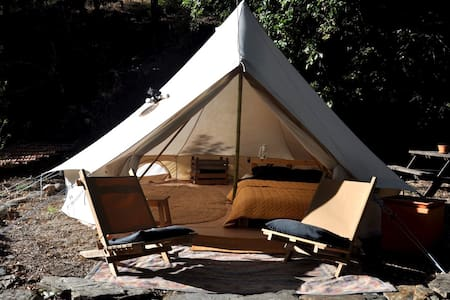 Vintage Safari Bell tent in Beautiful Valley