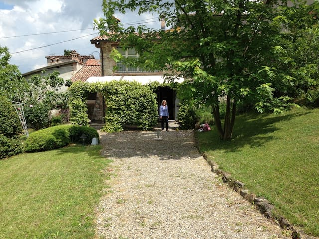A charming country house on the Piacenza hills - Pianello Val Tidone - Huis