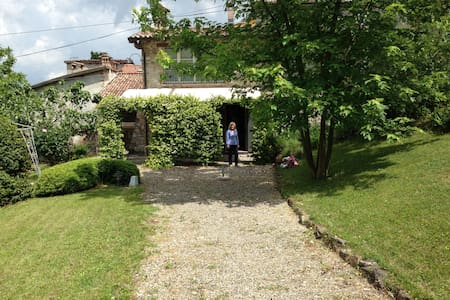 A charming country house on the Piacenza hills - Pianello Val Tidone - House