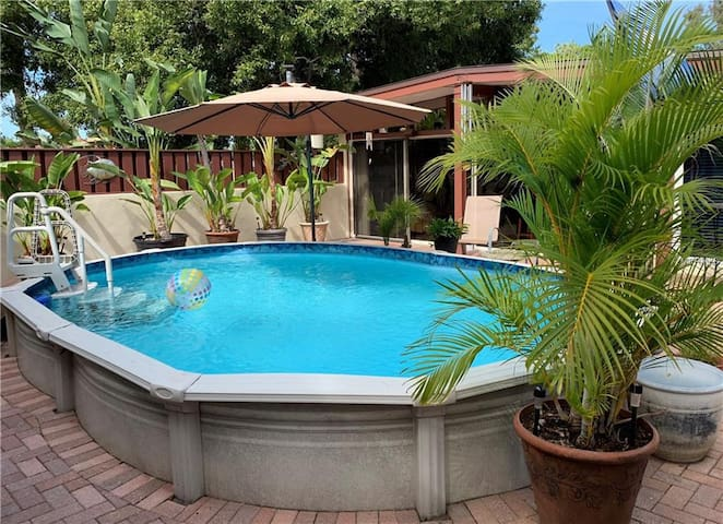 Mid-Century Guest House w/ Pool!
