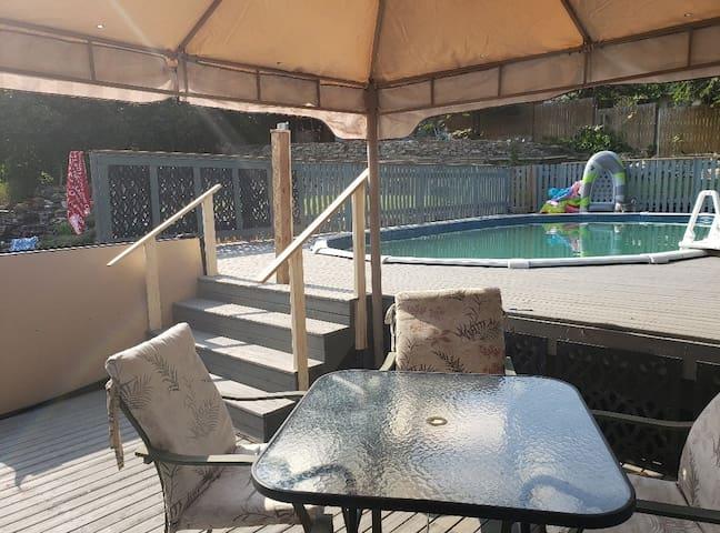 Entire house 2 suites Pool&Hottub 33min silverstar
